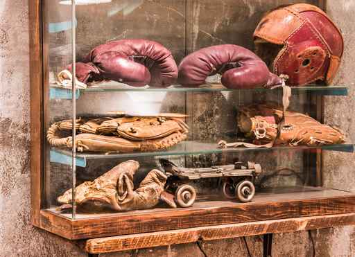 Man Cave Antiques Artifacts : What does the perfect man cave look like few moves